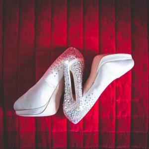 fotografia matrimonio dettagli scarpe sposa